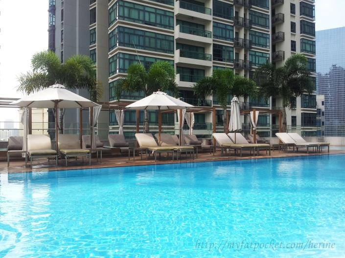 hotel - pool (2)