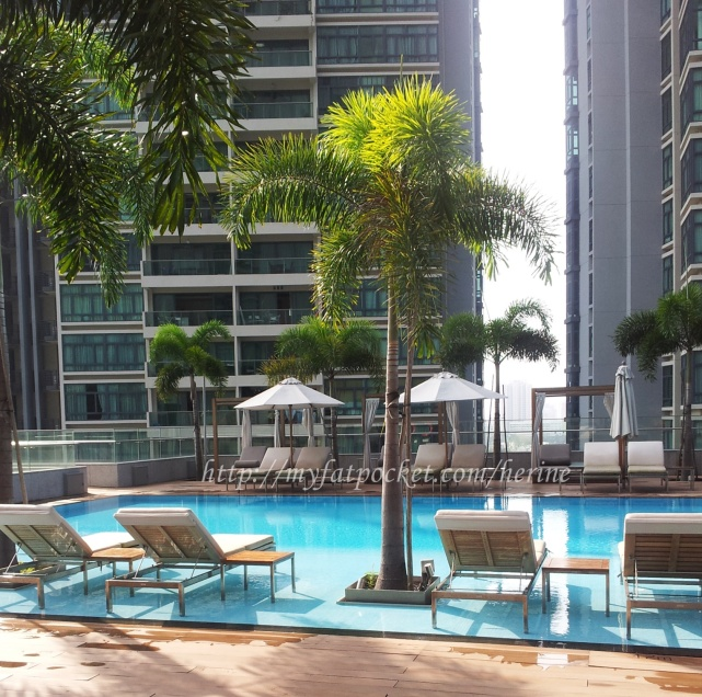 hotel -pool