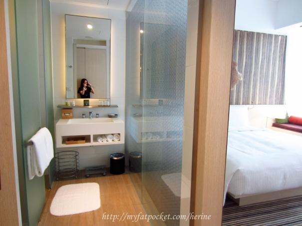 Room - bath 1