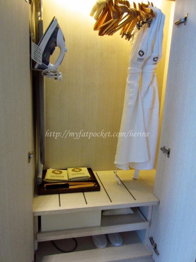 room - wardrobe (2)